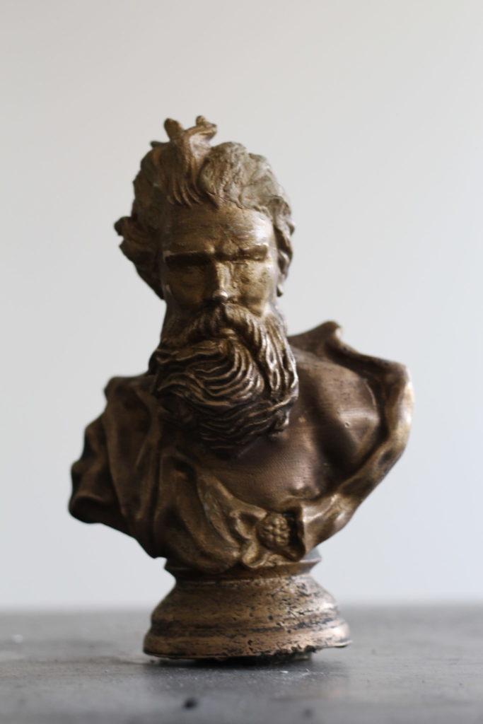 Očištěný odlitek bronz