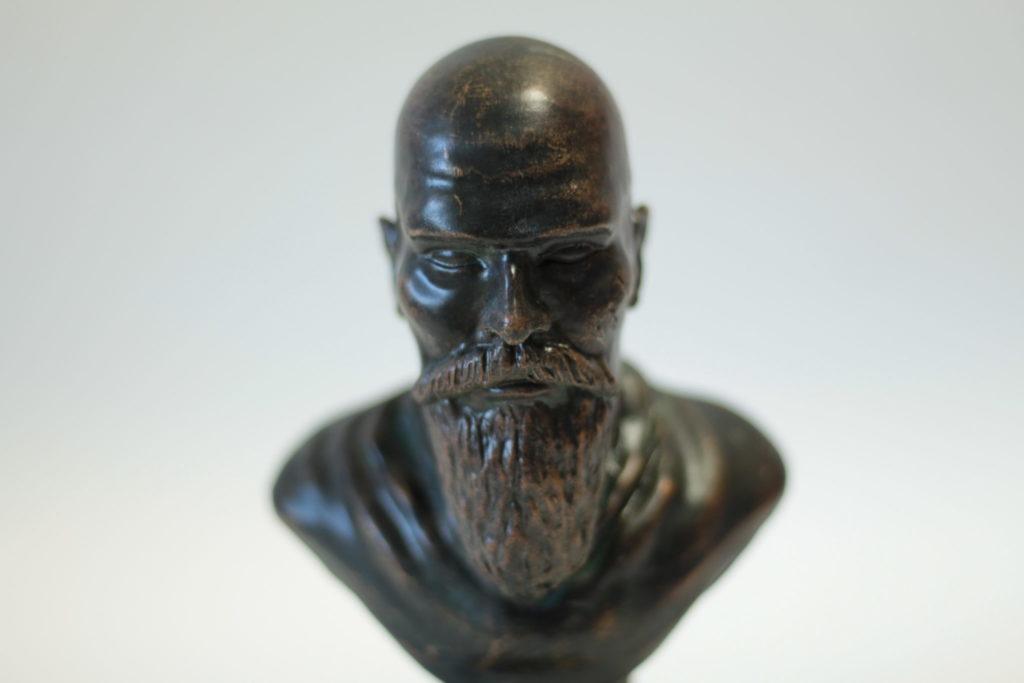 bronze bust - casting bronze