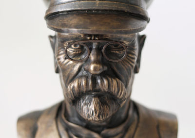 Bronze bust of Masaryk