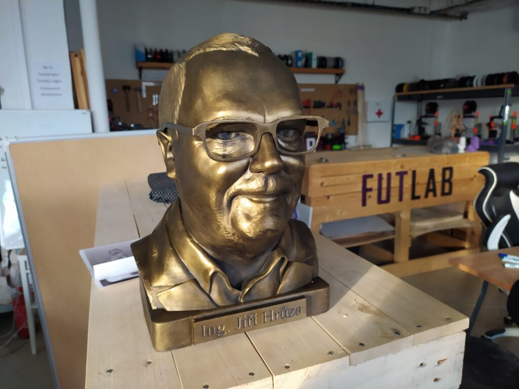 Busta sádra bronz